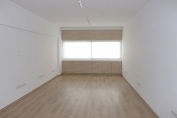 Office for Rent in Pentadromos Area